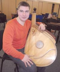 Тарас Столяр - концертмейстер групи бандур
